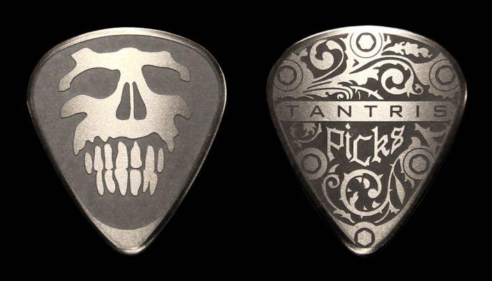 """Tantris """"Skull"""" etched steel guitar pick"""